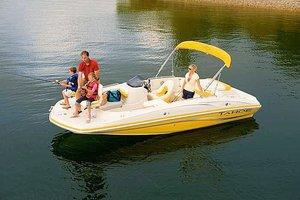 deck-boat
