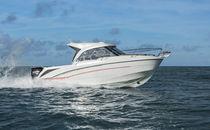 Cabin-cruiser fuoribordo / con cabina di pilotaggio / con 2 cuccette