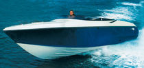 Cabin-cruiser entrobordo / open / sportivo / max. 8 persone