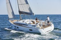 Barca a vela da crociera / con poppa aperta / con 2 o 3 cabine / con doppio timone a ruota