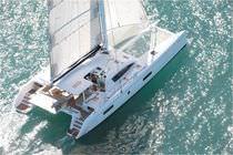 Catamarano / da crociera / con poppa aperta