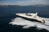 Motor-yacht sportivo / hard-top / in lega / con scafo planante