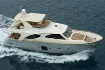 Motor-yacht da crociera / con fly / con scafo semiplanante