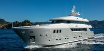 Super-yacht da crociera / con cabina di pilotaggio