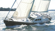 Sailing-yacht da crociera / con poppa aperta / in alluminio