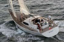 Sailing-yacht da crociera / con pozzetto centrale / in alluminio