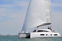 Catamarano / da crociera d'altura / con fly / con 4 o 5 cabine