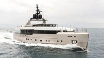 Super-yacht da crociera / explorer / con fly / dislocante