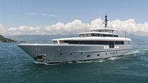 Super-yacht da crociera / raised pilothouse / dislocante