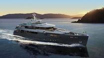 Mega-yacht da crociera / con cabina di pilotaggio / in acciaio