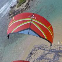 Ala da kitesurf delta / ibrida / C-shape / da vento leggero