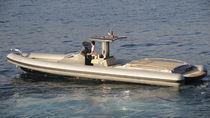 Gommone entrobordo / semirigido / con console centrale / tender per super-yacht