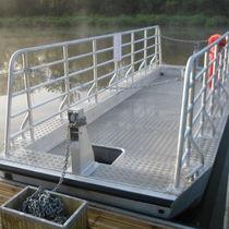 Ferry-boat con catena