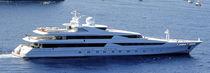 Mega-yacht da crociera / raised pilothouse / in acciaio / con 12 cabine