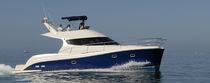 Cabinato catamarano / con fly / trawler / con 4 cabine