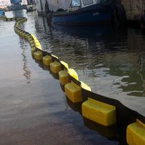 Barriera antinquinamento / galleggiante / permanente / per acque calme