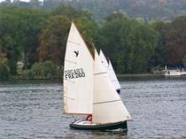 Barca a vela day-sailer / tradizionale / con poppa aperta / tipo deriva