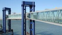 Passerelle portuali / per traghetti / per stazione marittima / a motore