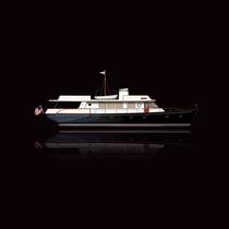 Motor-yacht da crociera / tradizionale / con cabina di pilotaggio / con 3 o 4 cabine