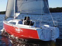 Monoscafo / day-sailer / con poppa aperta / con 4 cuccette