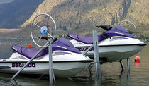 ascensore per jet-ski  Hewitt Boats Lifts and Docks