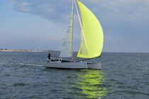 catamarano costiero V8 Virusboats