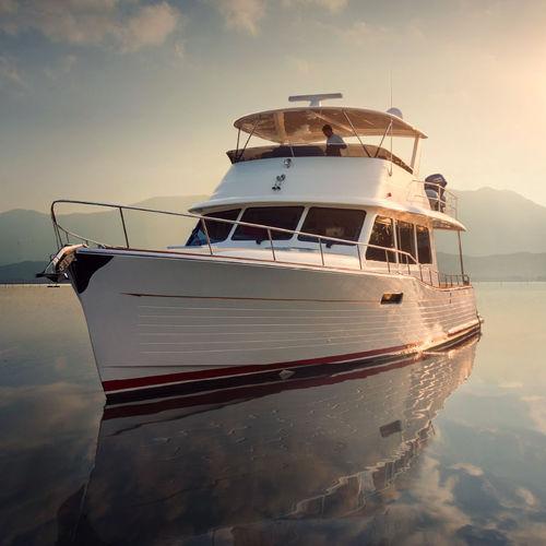 motor-yacht da crociera / tradizionale / con fly / con 3 cabine