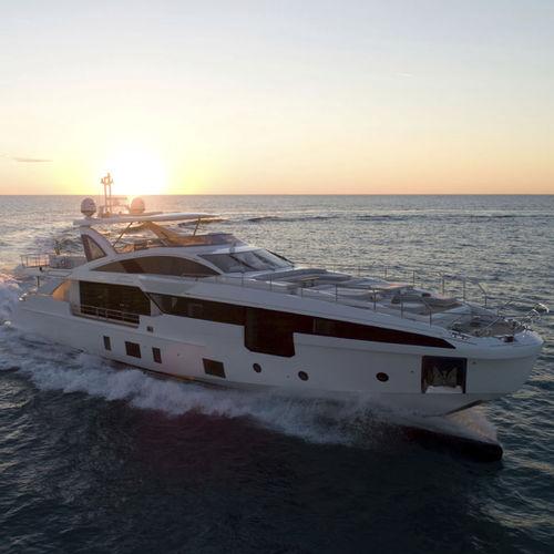 super-yacht da crociera / con fly / in carbonio / GRP