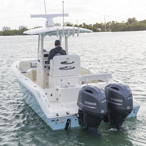 barca open fuoribordo / bimotore / con console centrale / open