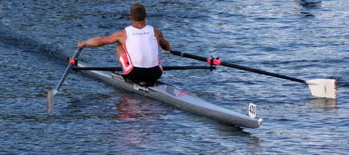 barca da canottaggio da competizione / skiff