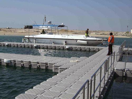 Pontile galleggiante / modulare / di ormeggio / per marina VersaDock International