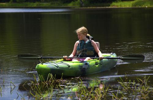 kayak sit-on-top / rigido / da turismo / da pesca