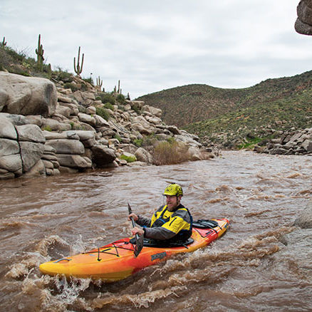 kayak a ponte / rigido / per spedizione / da pesca