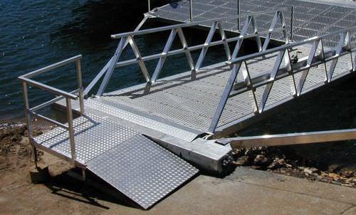 passerella per pontile / con corrimano / in alluminio