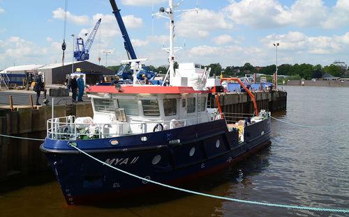 barca per la ricerca scientifica / entrobordo