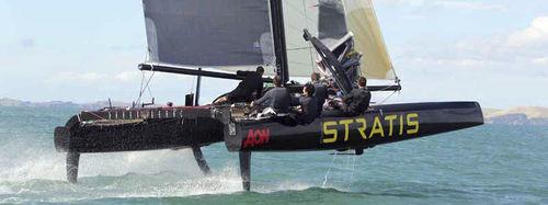 Barca a vela catamarano / monotipo / di carbonio / con foil SL 33 SL Performance