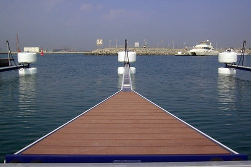dock finger (con illuminazione a LED, parabordi a ruota) EB30 EasyBerth Docking Solutions