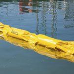 barriera antinquinamento / galleggiante / per fiume / per porto