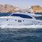 motor-yacht da crociera / con fly / con scafo dislocante
