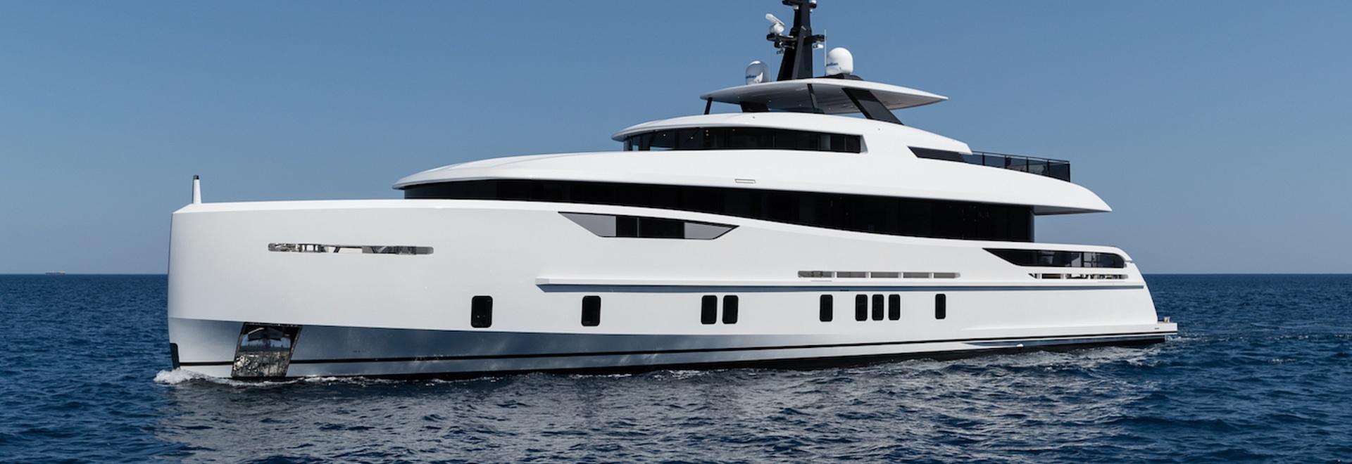 Consegnato: Superyacht Virgen Del Mar VI della tasca di Alia Yachts 31m