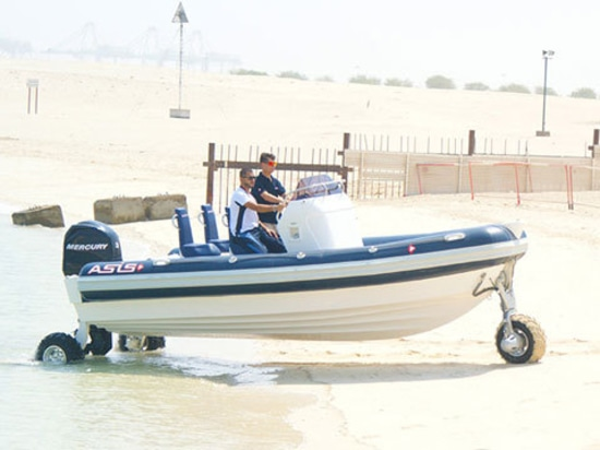 Nuova barca anfibia esterna