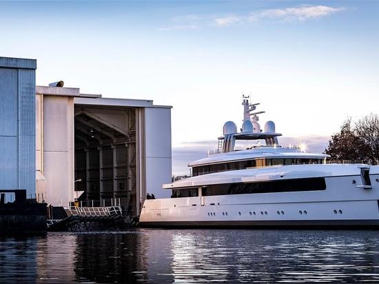 l'yacht Najiba di Feadship Vitruvius-progettato 58m ha lanciato