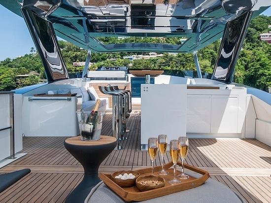 Il MCP lancia l'yacht Ragnar di THD 925
