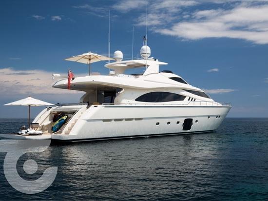 Nuovo proprietario per l'yacht Avec di 27m Ferretti