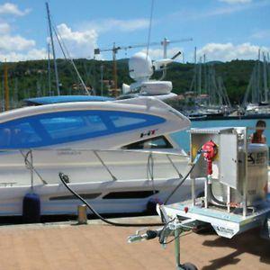 serbatoio di idrocarburi / di liquidi / per barca / con pompa trasferimento