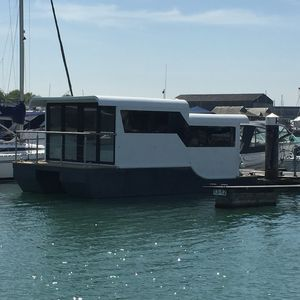 barca a motore house-boat catamarano