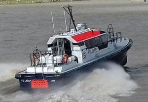 barca professionale barca per trasporto equipaggio / pilotina / entrobordo / in alluminio