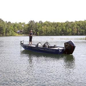 bass boat fuoribordo