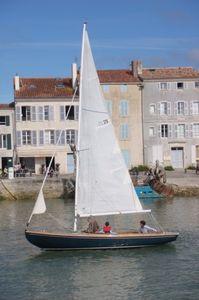 barca a vela tradizionale / daysailer / con poppa aperta / trasportabile