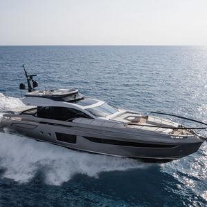 motor-yacht da crociera / con fly / IPS / GRP